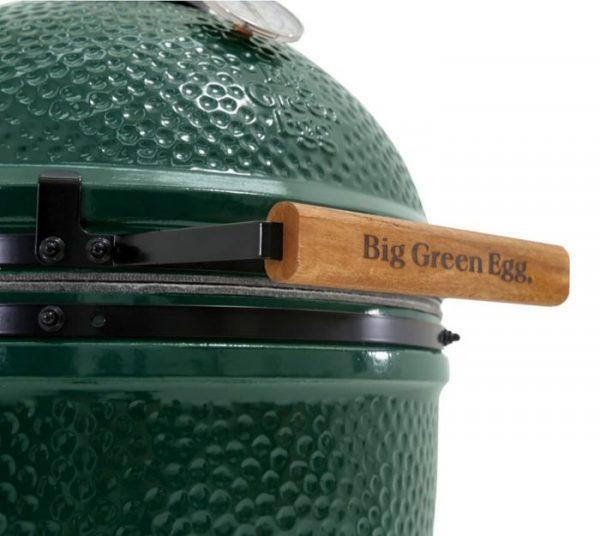 close up of big green egg handle