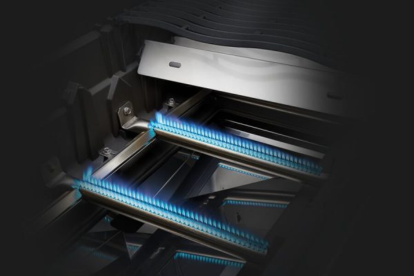 Rogue® XT 625 SIB with Infrared Side Burner and Smoker Box