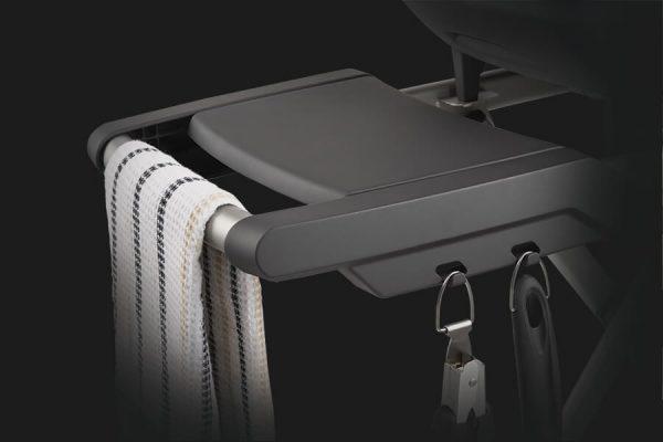 TravelQ™ PRO285 Portable Gas Grill